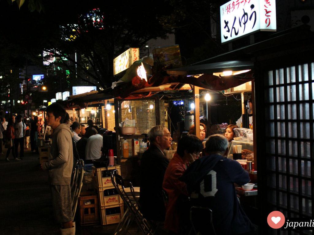 Yatai heißen die berühmten Freiluft-Minirestaurants in Fukuoka, von denen über 120 Stück über die ganze Stadt verteilt sind.