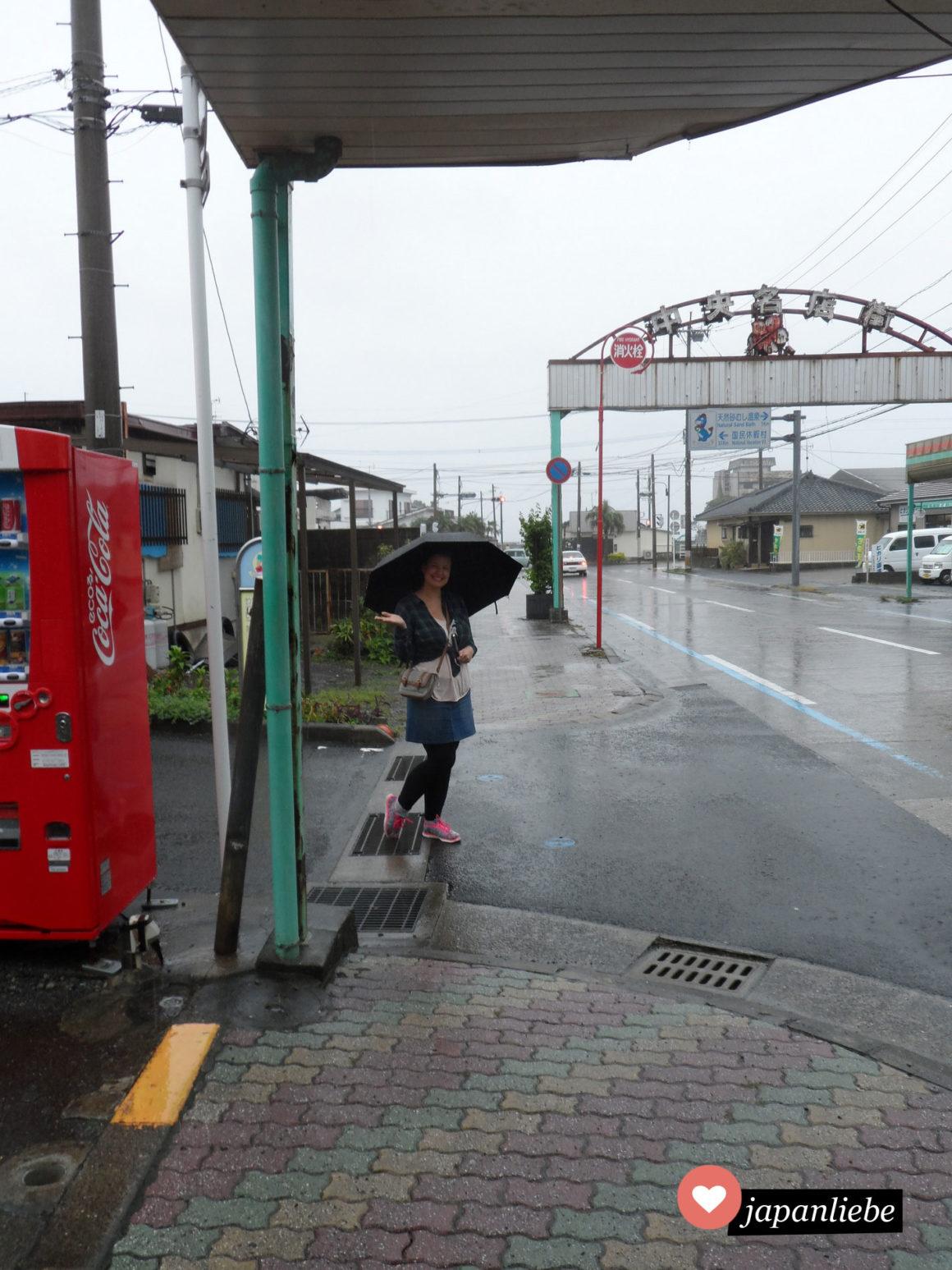 Ich behalte auch bei Regenwetter in Ibusuki meine gute Laune...