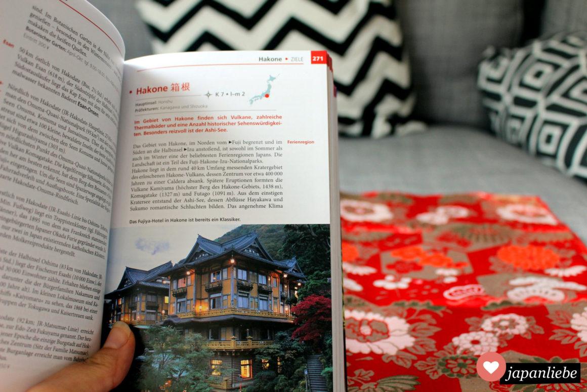 Ein Blick in den Baedeker Japan Reiseführer: Bilder lockern die ausführlichen Infos auf.