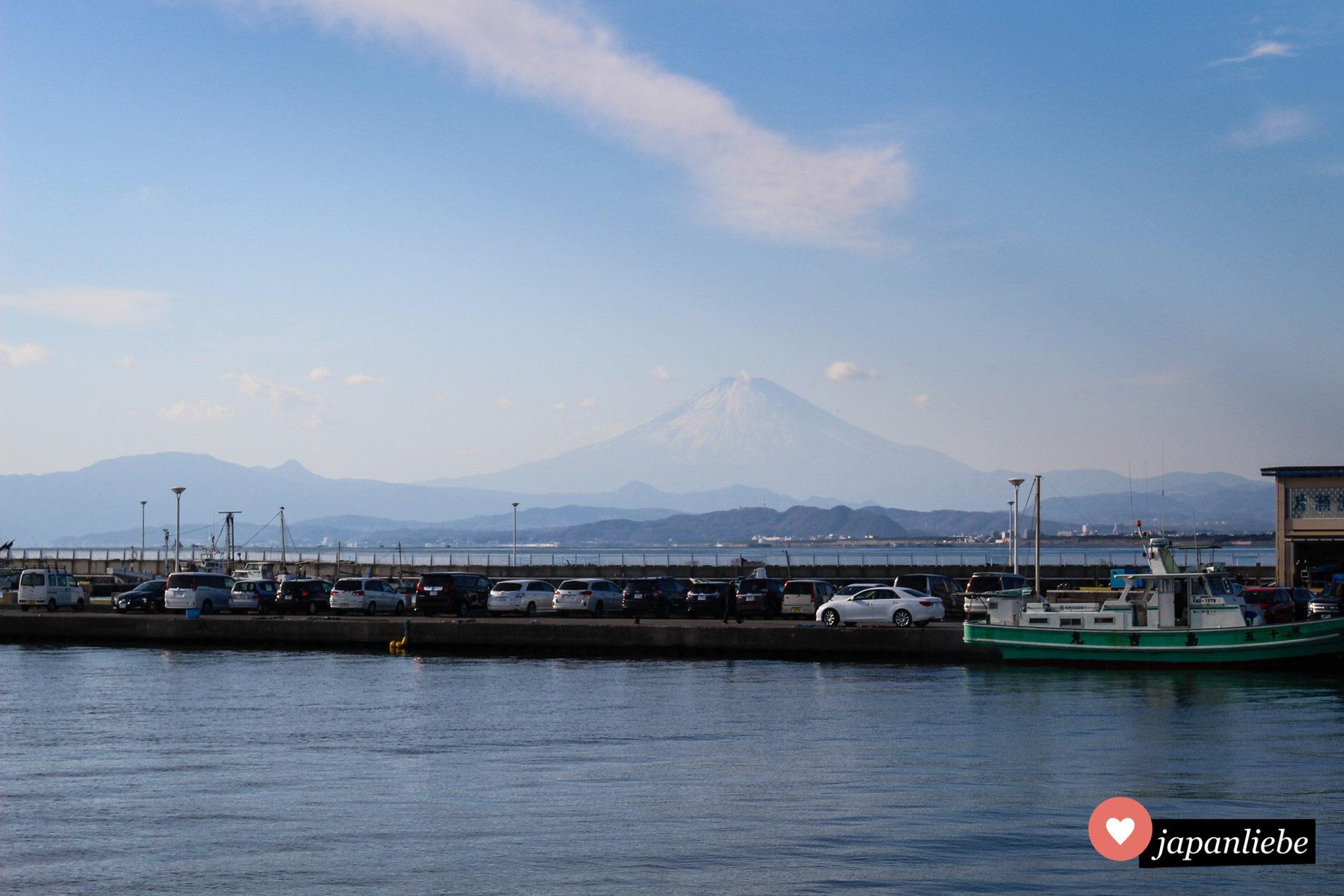 Im Januar bei klaren Verhältnissen hat man von Enoshima aus einen tollen Blick auf den Fuji.