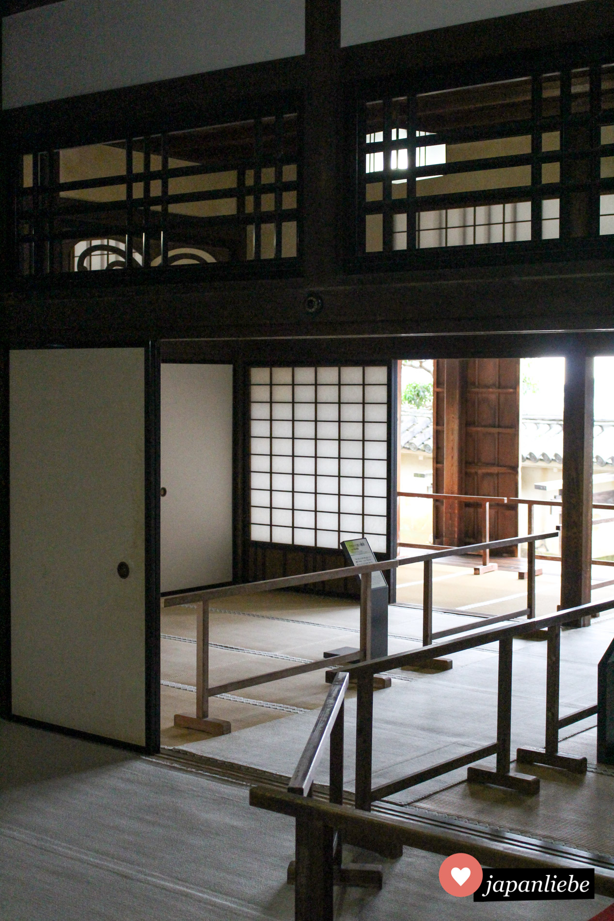 In Burg Kōchi, eine der zwölf original erhaltenen Festungen, bekommt man einen guten Eindruck davon, wie es in den Burgen früher aussah.