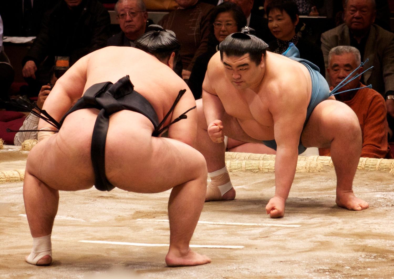 Jedes Jahr im Mai finden in Japans Hauptsatdt Tōkyō Sumō-Kämpfe statt.