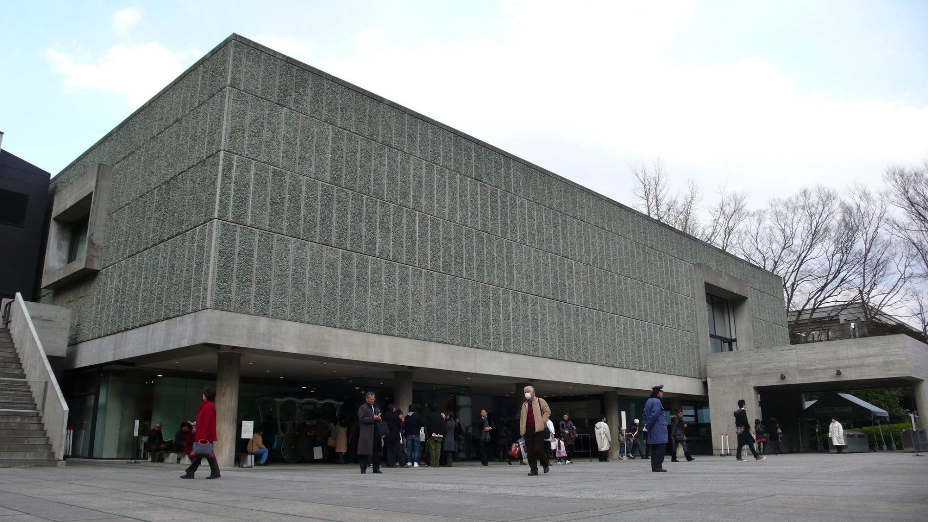 Das National Museum of Western Art im Ueno Park ist dank seines Architektens Le Corbusier UNESCO Weltkulturerbe. (Foto: https://www.flickr.com/photos/yisris/3356045092)