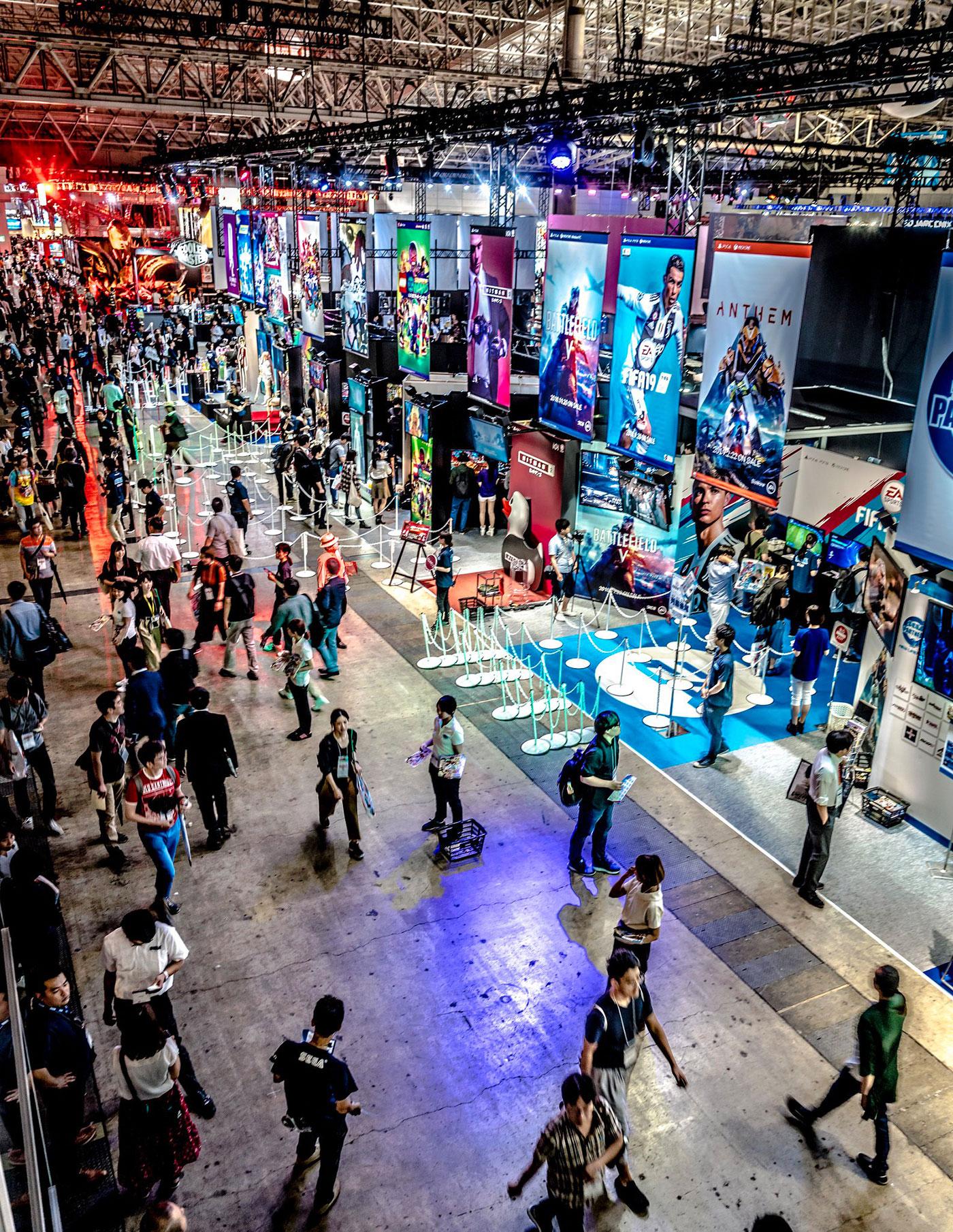 Die Tōkyō Game Show ist jährlich im September Anlaufpunkt für Spielefans und Cosplayer. (Foto: Sergey Galyonkin auf flickr https://flic.kr/p/MuUKb4 CC BY-SA 2.0)