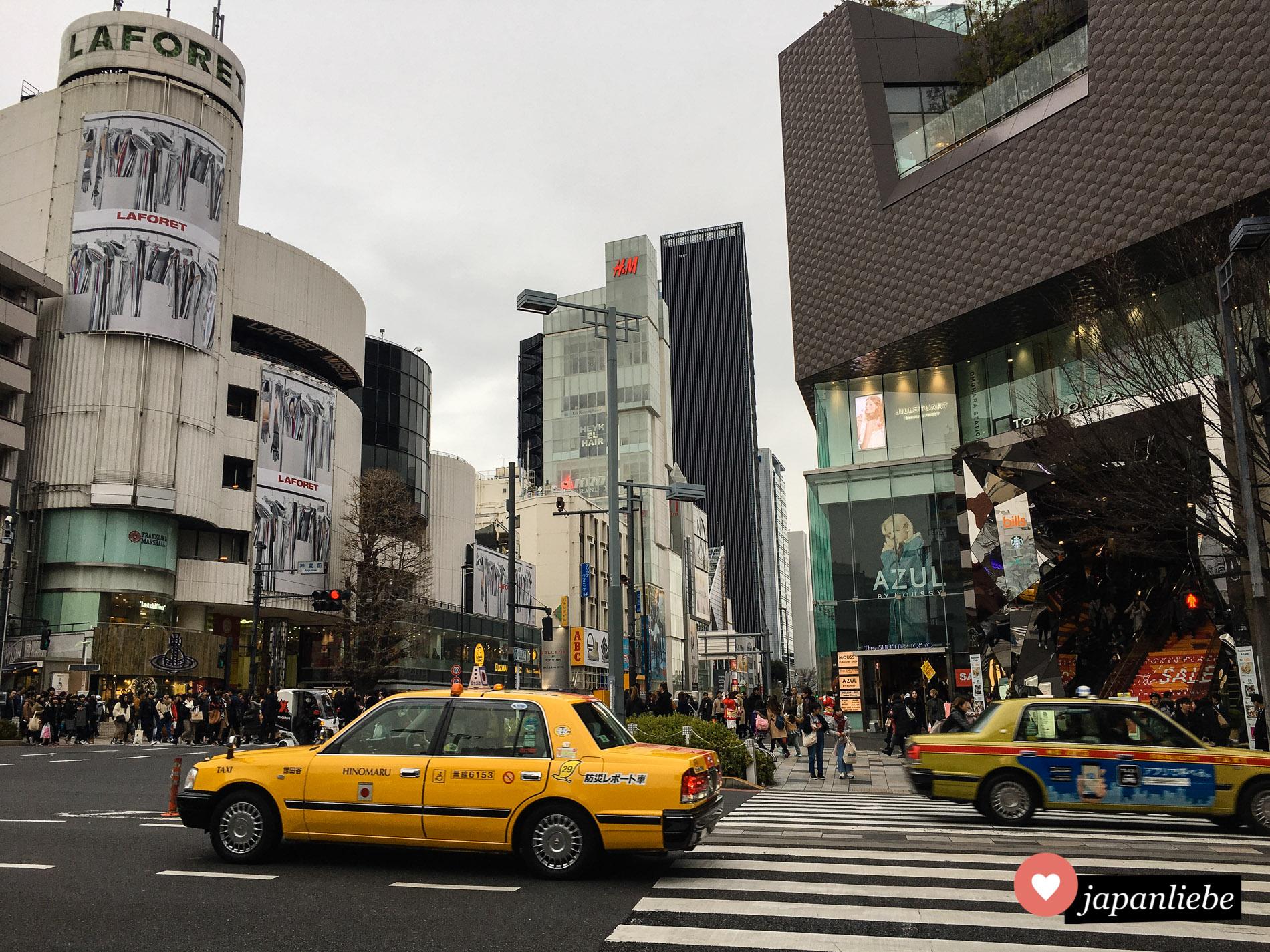 Hotspot für Shoppen in Tōkyō: die Omotesandō.