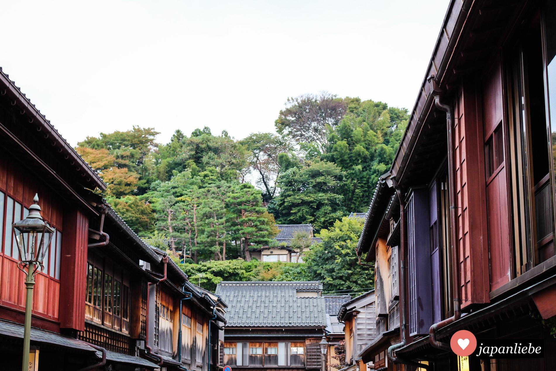 In Kanazawa kann man sich gut in das Leben zur Edo-Zeit zurückversetzen.