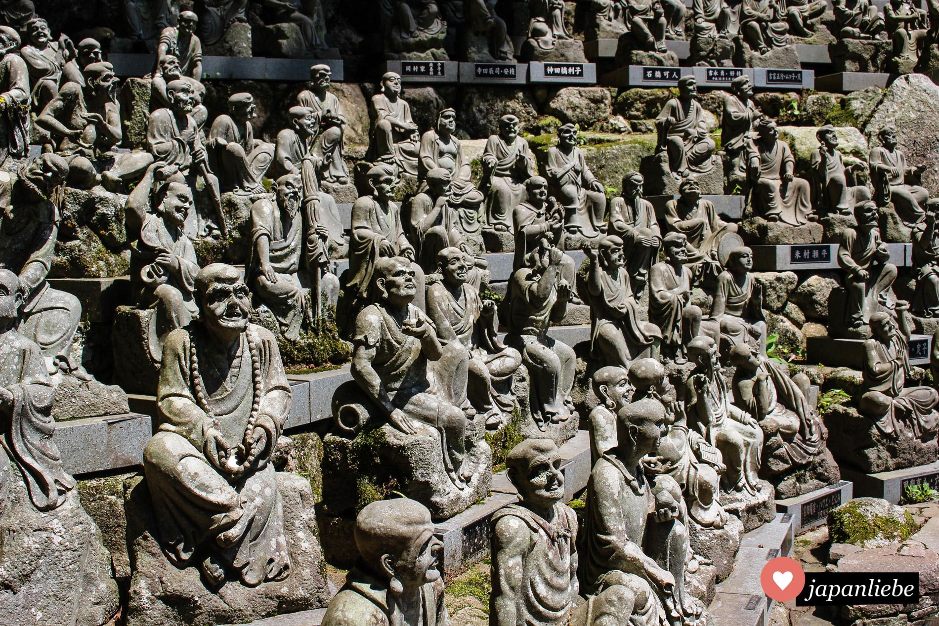 Am Nanzo-in-Tempel gibt es unzählige Statuen zu bewundern. 500 davon zeigen Schüler Buddhas.