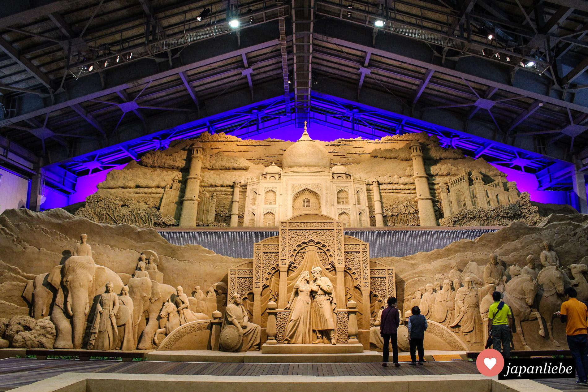 Die Hauptattraktion der Indien-Ausstellung im Sandmuseum von Tottori war dieses Panorama des Taj Mahals.