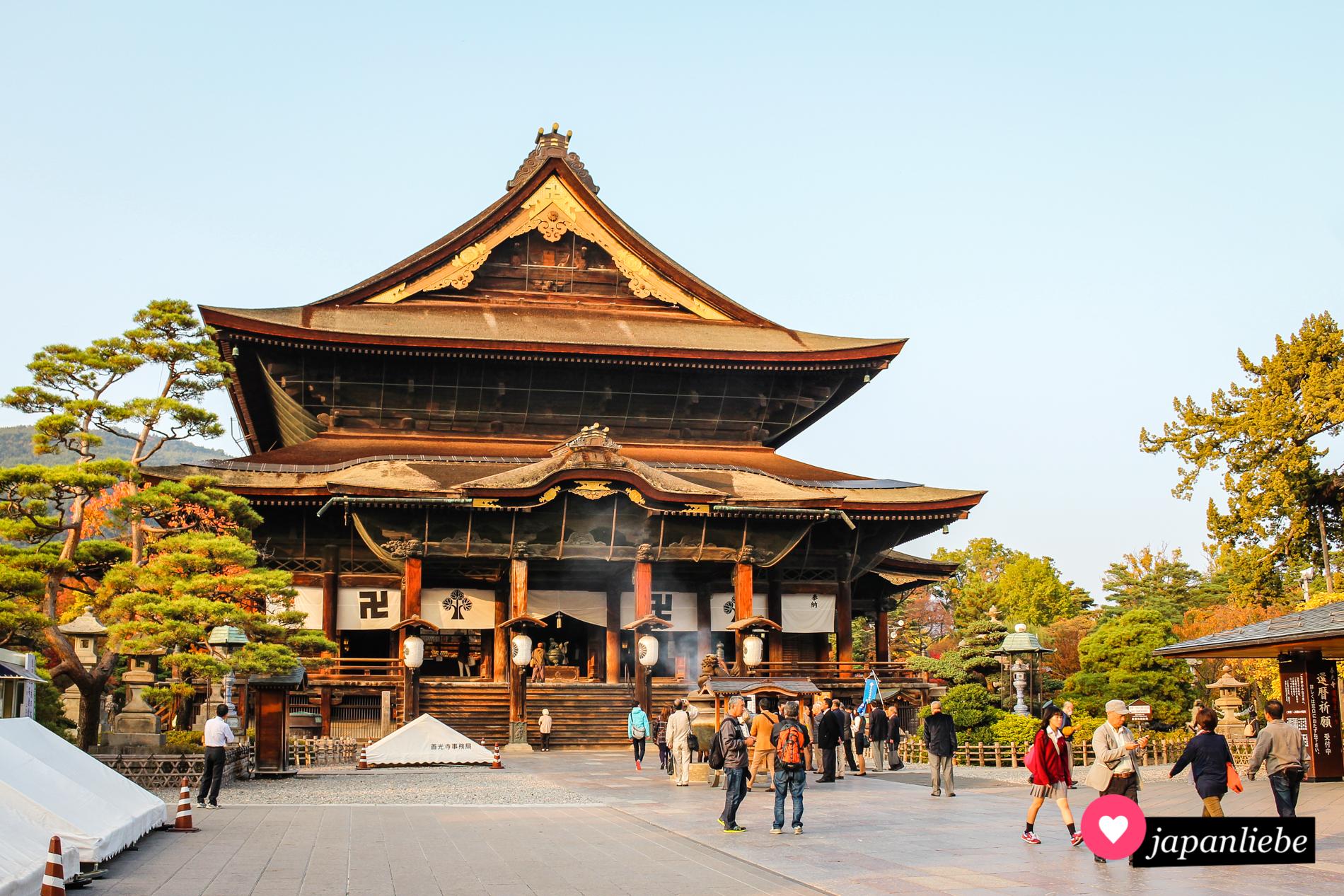 Im Zenkō-ji-Tempel in Nagano befindet sich die älteste Buddhastatue Japans.